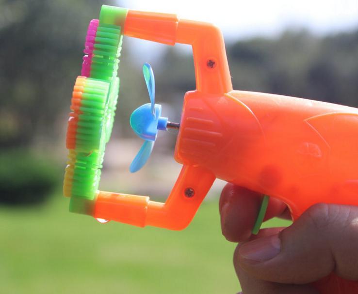 пистолет для мыльных пузырей с внтилятором