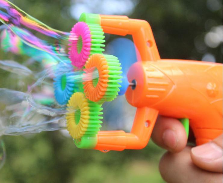 выдувание пузырей пистолетом